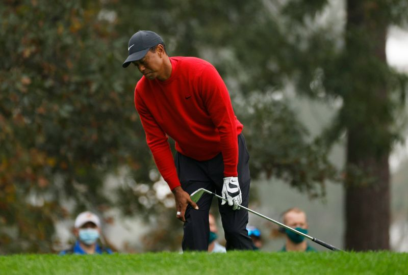 Tiger Woods badly hurt in car crash, expected to survive
